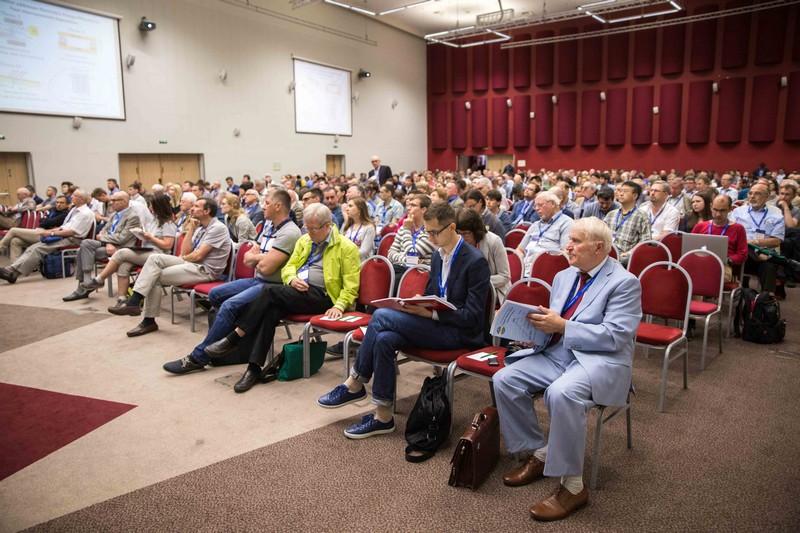 «激光与光子学» 大会将世界杰出科学家集合在一起