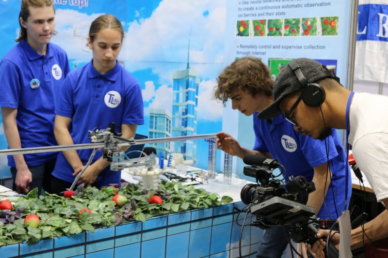 ITMO大学机器人技术团队取得了在泰国举办的WRO-2018世界奥林匹克机器人大赛的金牌