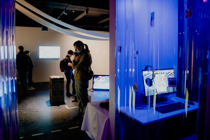 """如何与病毒共存病毒:AIR画廊开设了""""与麻烦共存""""展览"""
