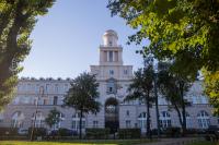 "ITMO大学保持了""世界大学学术排名""ARWU的位置"